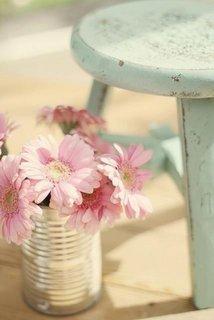 Vaza din cutie de tabla