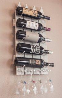 Suport sticle de vin din scanduri de lemn