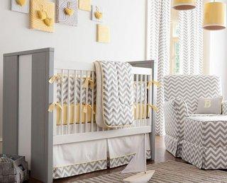 Camera de copil cu imprimeuri in dungi