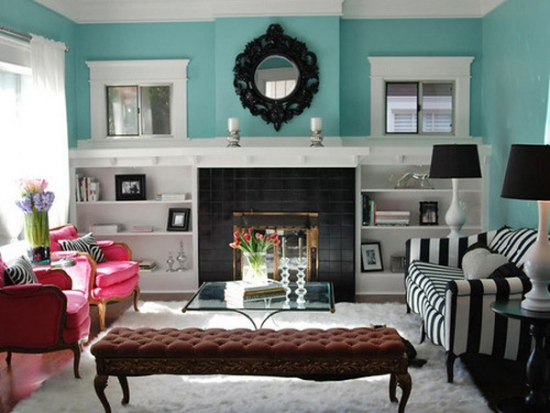 Canapea in dungi alb si negre pentru living