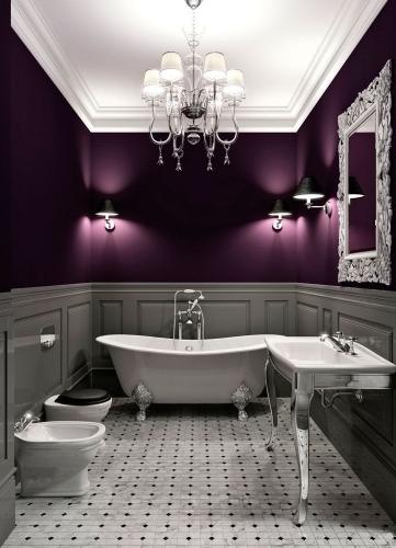 Baie luxoasa intr-o nuanta de violet-inchis