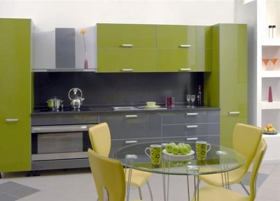 Bucatarie cu mobilier verde