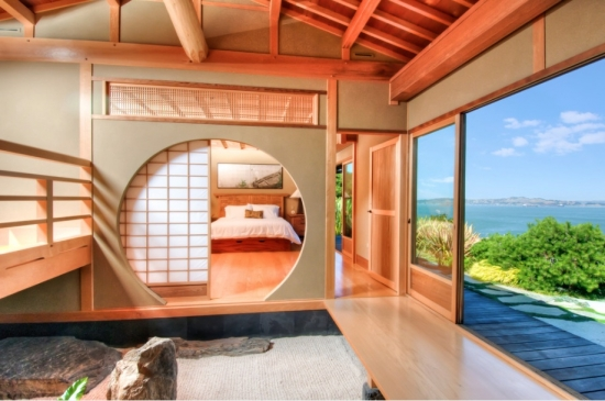 Dormitor cu iesire spre terasa cu usa glisanta model japonez