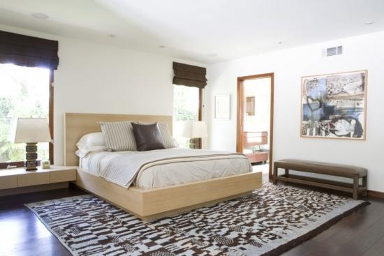 Dormitor cu mobila joasa pentru un decor cu influente asiatice
