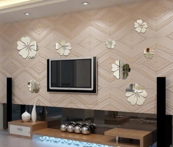 Idee decorare perete cu televizor cu tapet si stickere