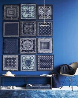 Accesorizarea peretilor cu tablouri cu materiale textile imprimate