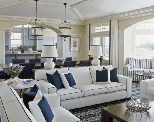 Decor open space in nuante de alb si accente de albastru bleumarin