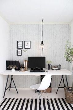 Birou amenajat minimalist