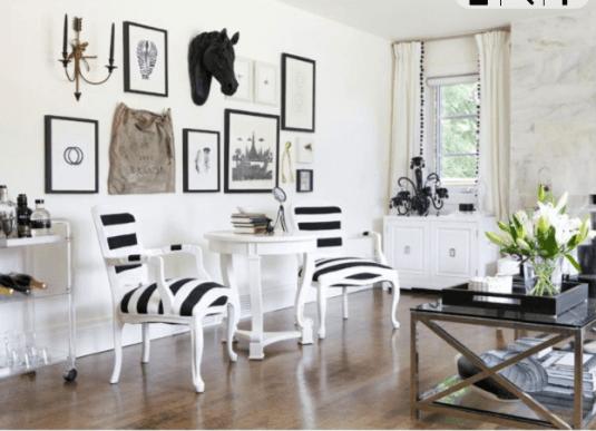 Scaune design clasic cu tapiterie in dungi