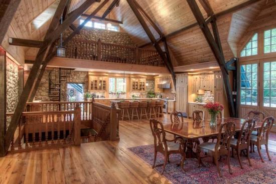 Etaj cu loft casa din lemn