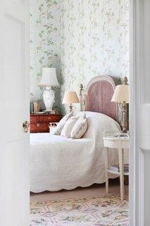 Tapet cu floricele verzi pentru dormitor romantic