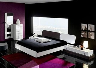 Combinatie de negru cu violet pentru dormitor