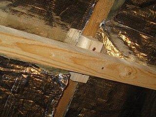 Montare structura de lemn pentru izolarea mansardei