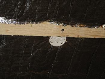 Saibe din plastic pentru prinderea vatei bazaltice