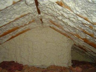 Izolare interioara mansarda cu spuma