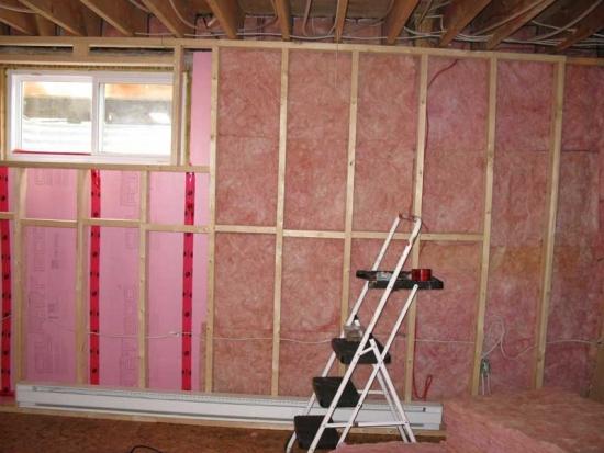 izolare a peretilor interiori din lemn cu polistiren si OSB