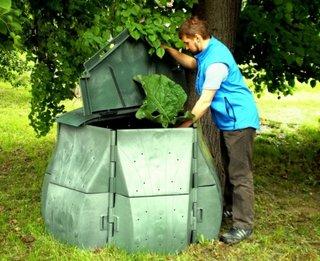 Lada mare de compost din plastic