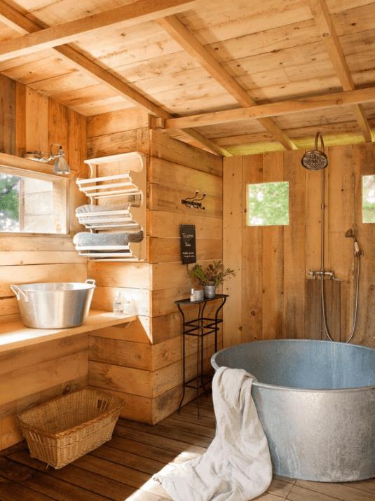 Lambriu lemn rezistent umezeala finisaj  baie rustica