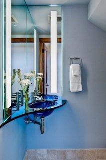 Chiuveta din sticla albastra