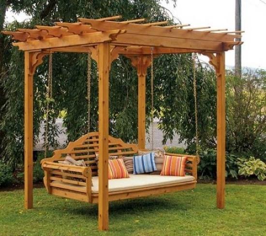 Pergola din lemn de stejar cu pat suspendat