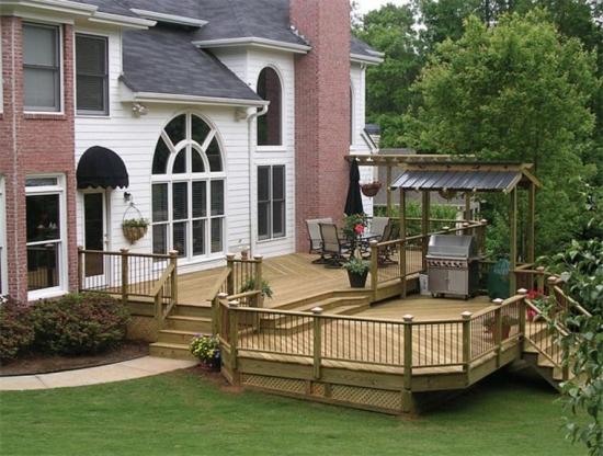 Amenajarea unei terase inaltate cu lemn