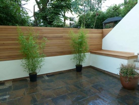 Idee gard de gradina zidit combinat cu lemn