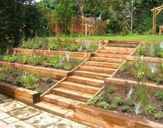 Gradina in trepte cu lemn