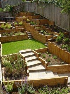 Idee amenajare gradina cu trepte si cu lemn