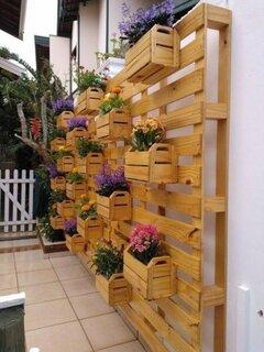 Suport din lemn pentru perete cu ghivece incluse