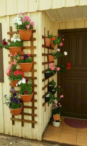 Suport din lemn pentru perete pentru ghivece
