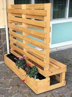 Suport pentru ghivece cu flori din lemn cu bancuta