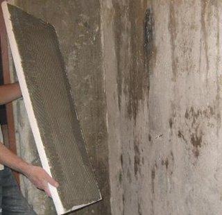 Lipire placa de polistiren pe perete