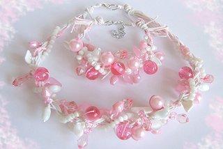 Bijuterii alb cu roz