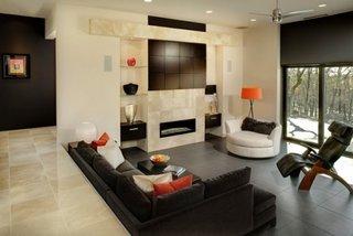 Idee amenajare living open space cu diferenta de nivel fata de holul de la intrare