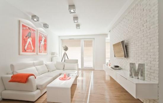 Camera de zi amenajata in combinatia de culori alb cu portocaliu