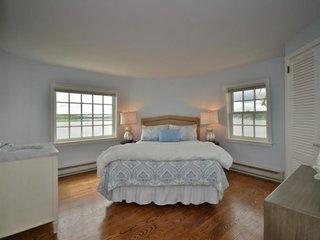 Dormitor mic de oaspeti cu chiuveta in camera