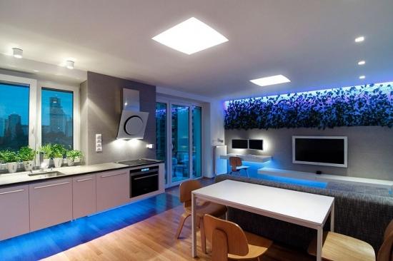 Bucatarie cu iluminare benzi led albastre