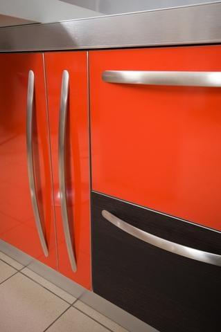 Manere pentru un dulap de bucatarie modern