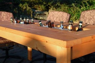 Masa de exterior cu racitor pentru bauturi
