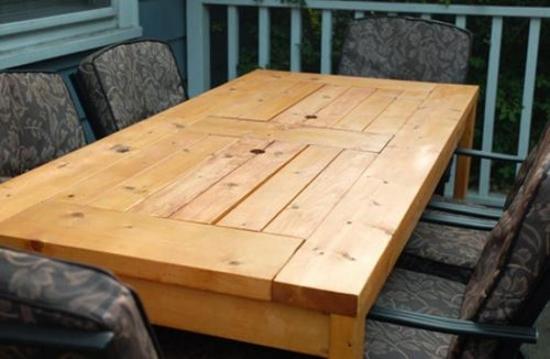 Masa din lemn pentru terasa