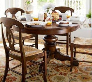 Masa rotunda dining din lemn