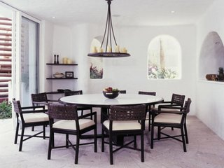 Masa rotunda mare pentru dining sau bucatarie