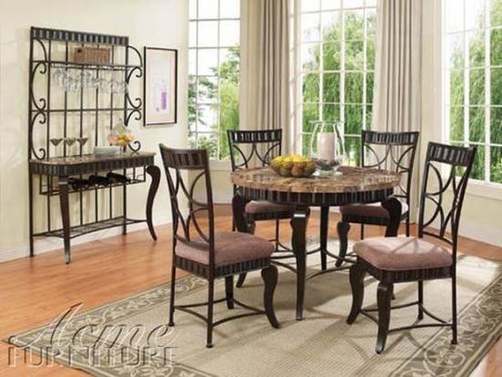 Set masa rotunda si scaune lemn nuc