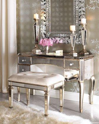 Masa de toaleta placata cu oglinzi