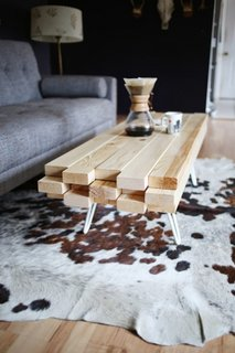 Masuta rustica de cafea