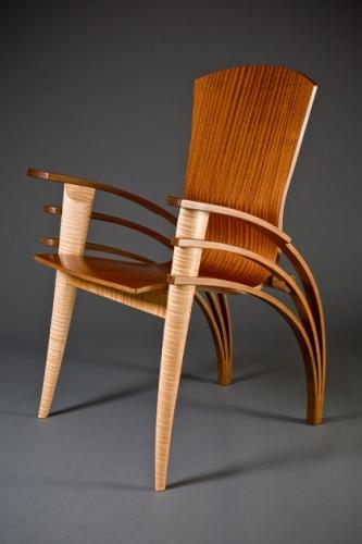 Scaun modern din lemn