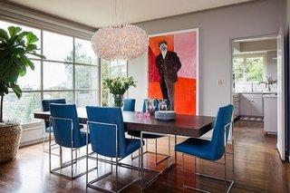 Masa de interior pentru dinning cu scaune cu picioare din inox