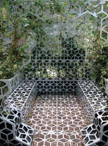 Amenajare gradina cu metal perforat