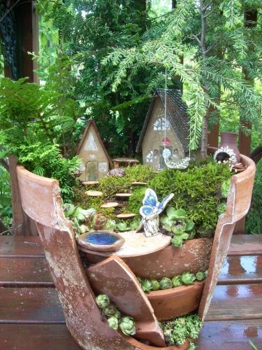 Model de gradina miniaturala in ghiveci de ceramica