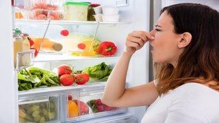 Eliminare miros urat din frigider